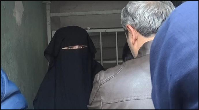 Atatürk'e hakaret eden kadın gözaltına alındı