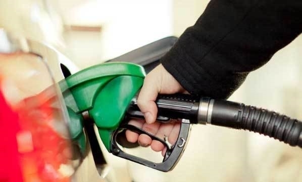 Benzine zam geldi! Yeni fiyatlar belli oldu!