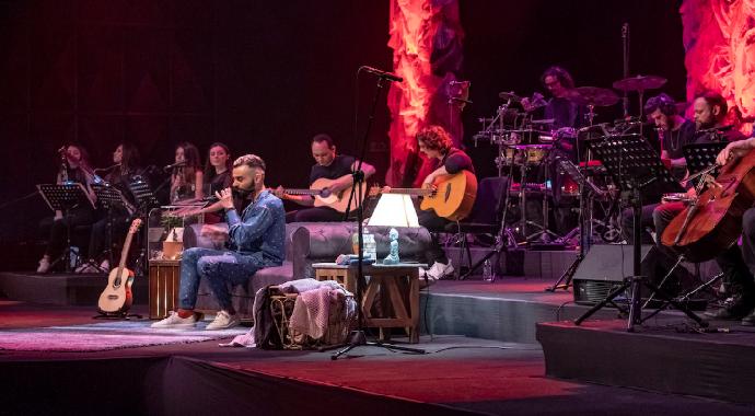 Gökhan Türkmen Akustik Plus Konseriyle Büyüleyecek
