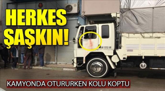 Herkes şaşkın feci olay kamyonda otururken kolu koptu