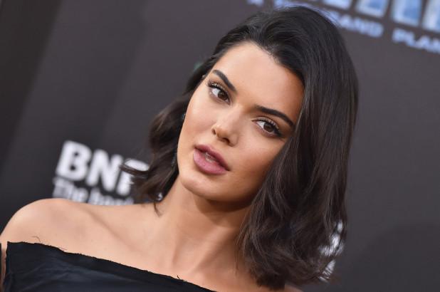 Kendall Jenner objektif karşısına geçti