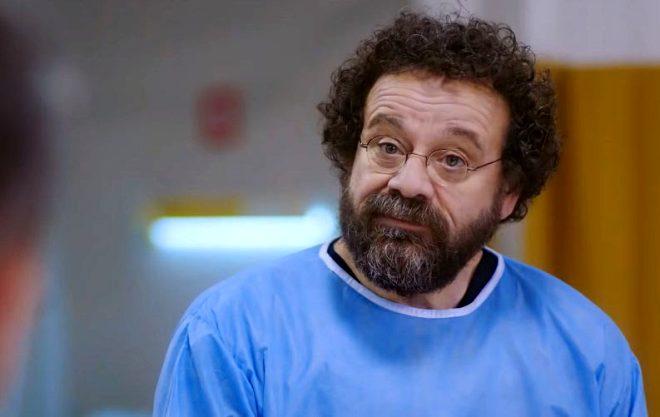 Mucize Doktor'un Adil Hoca'sı Reha Özcan'ın kardeşi de kendisi gibi ünlü çıktı!