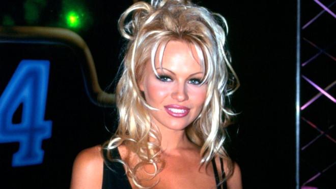 Pamela Anderson: Bunu Söylediğim İçin Öldürülebilirim