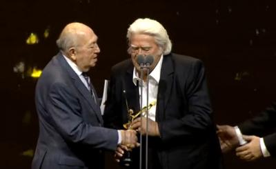 Ödül Töreninde Cüneyt Arkın'dan Alkol İtirafı!