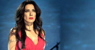 Şarkıcı Sibel Tüzün, kocasından şikayetçi oldu!