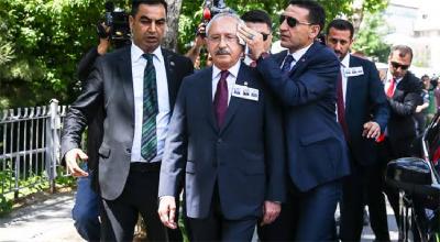 Şehit cenazesinde Kılıçtaroğlu'na saldırı